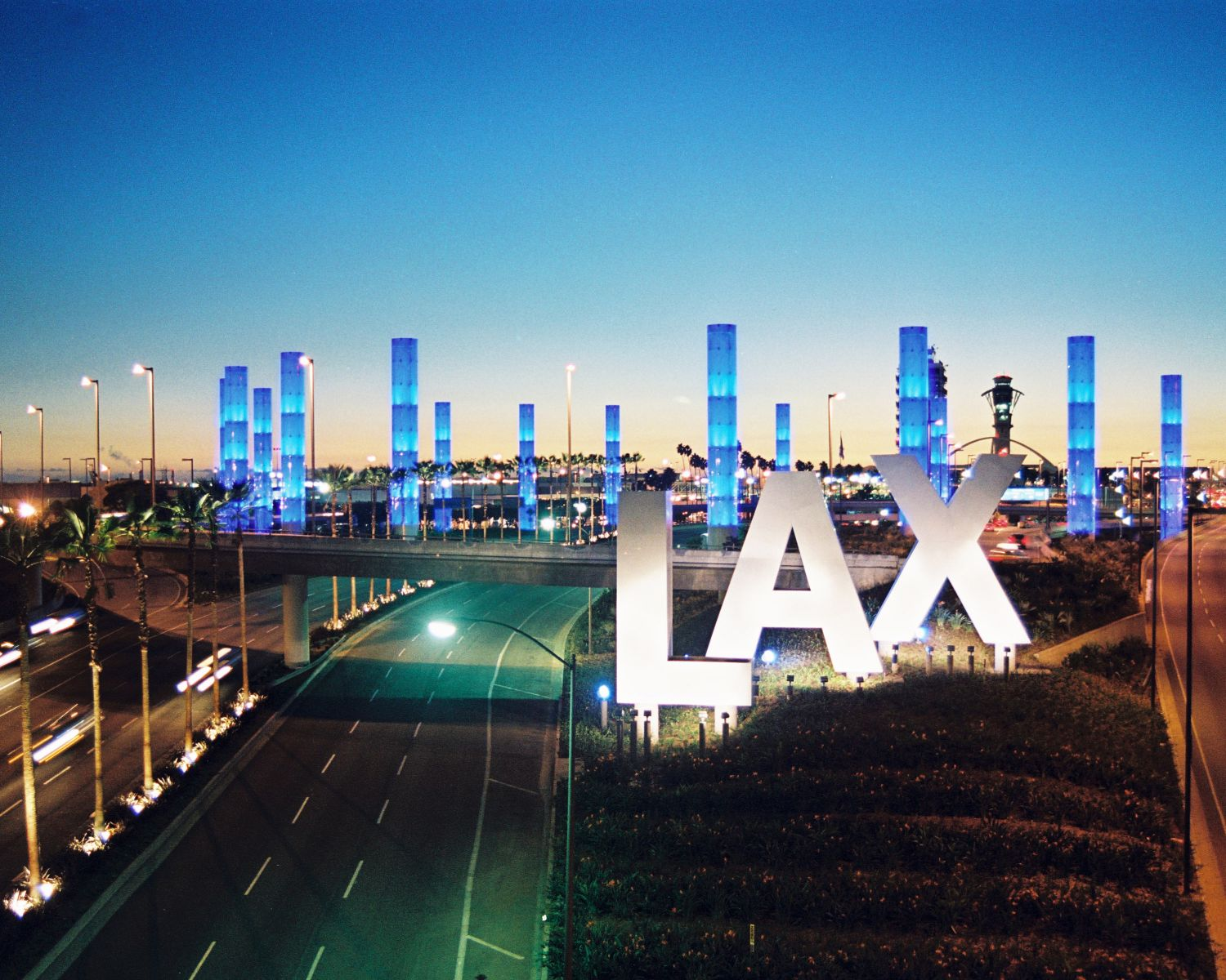 Private l a tours departing from lax or hotels for Lax long term parking lot