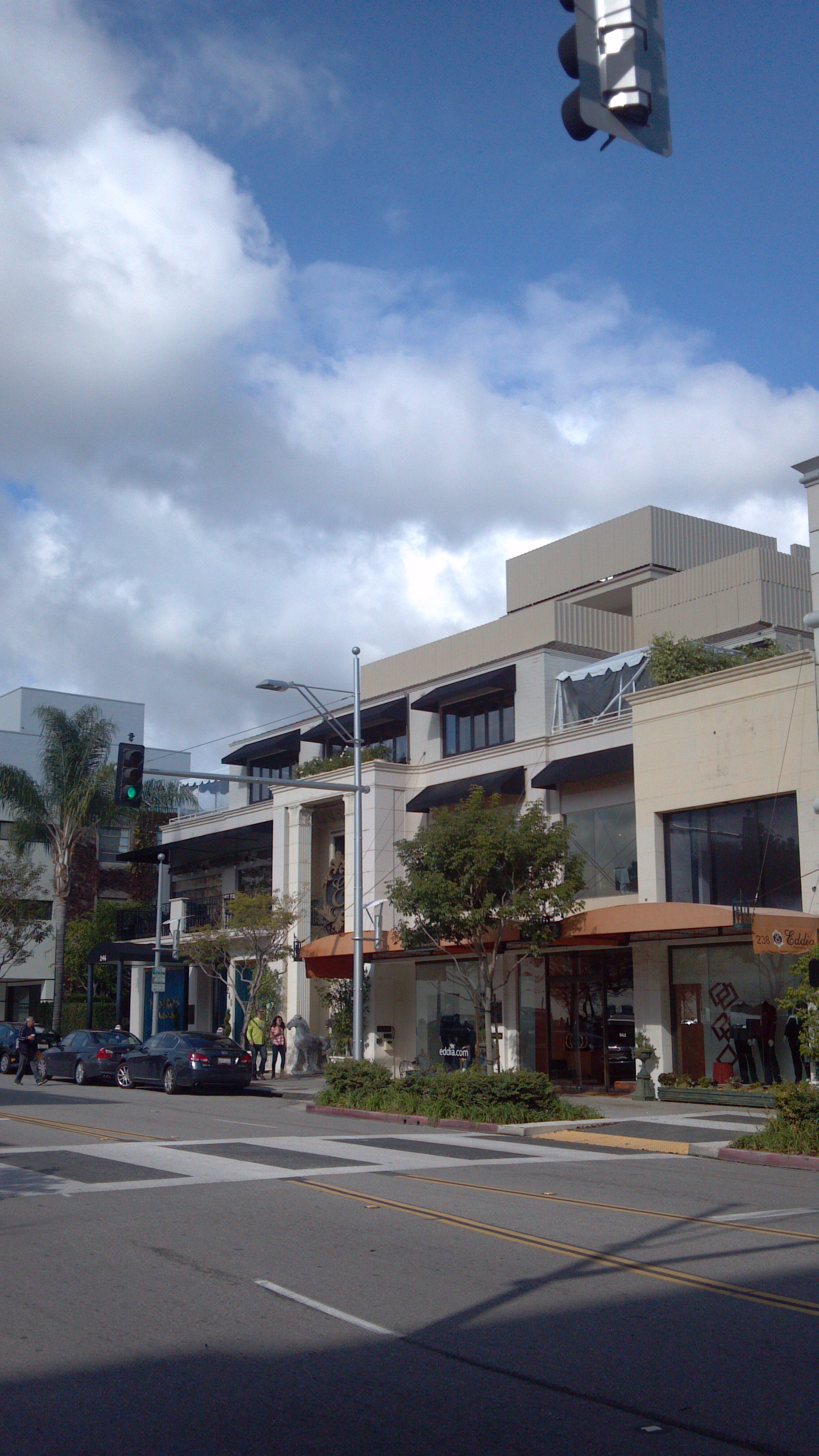 Best Restaurants In Beverly Hills To See Celebrities